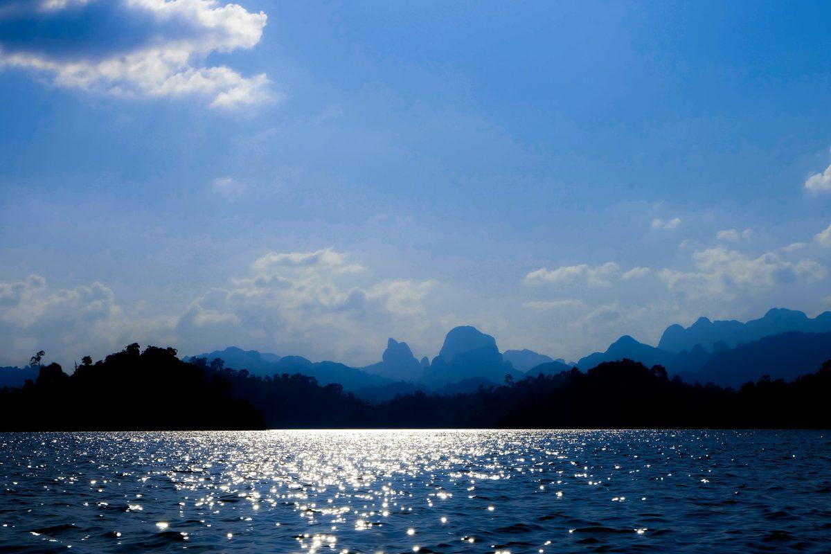 travelling to Cheow Lan Lake