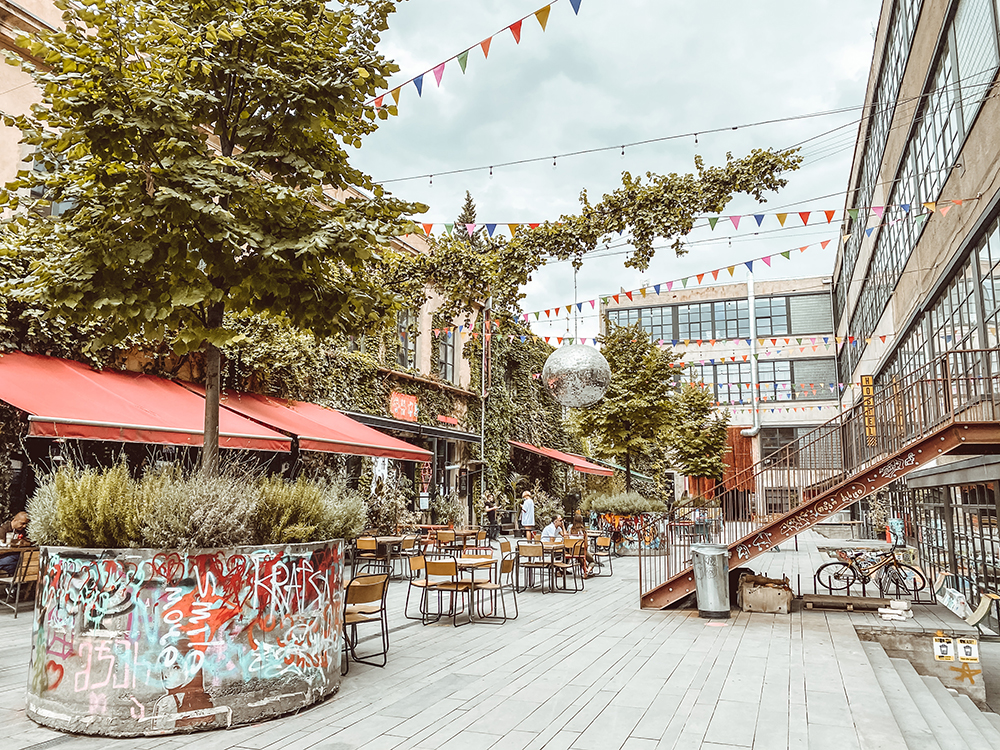 places to stay in tbilisi