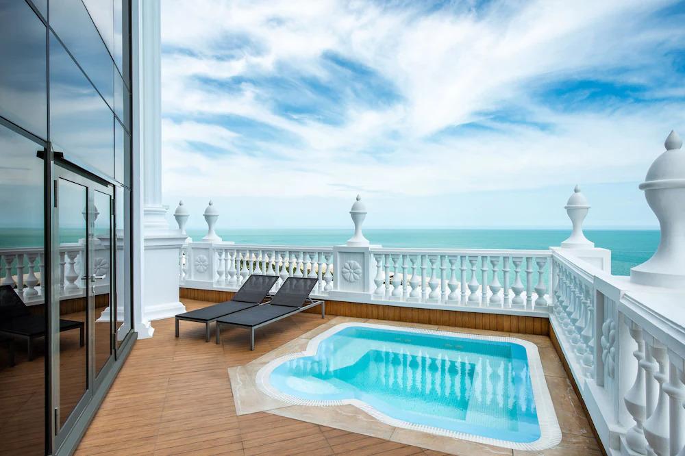Batumi hotels with pool
